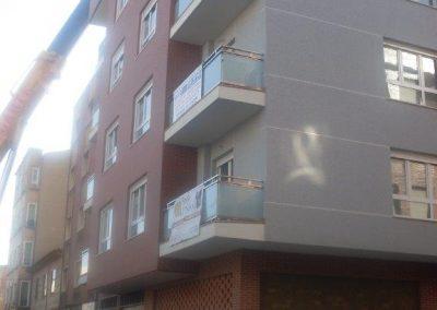 Fachada bloque de viviendas